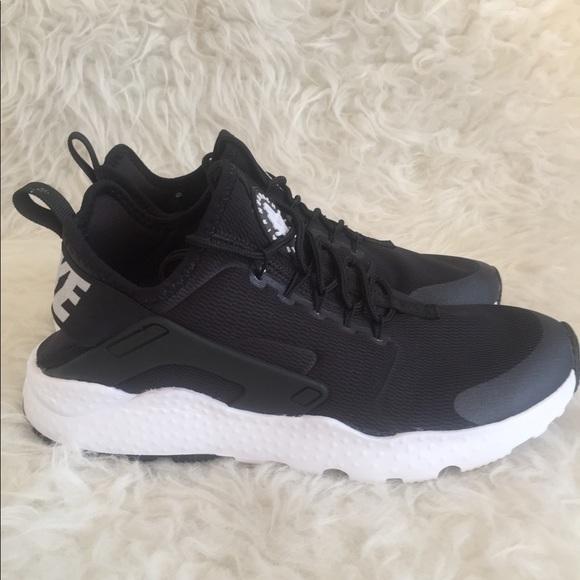 330d7db70178 Nike Women s Air Huarache Run Ultra Shoes sz 8.5. M 5b9c66b34ab63332abdbe34a